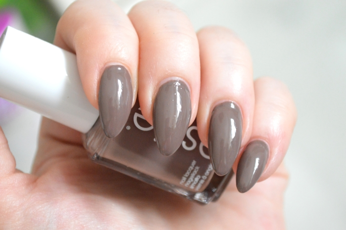 Essie_Fierce_No_Fear_mikalicious