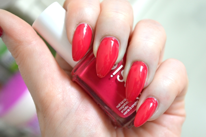 Essie_Haut_in_the_Heat_LE