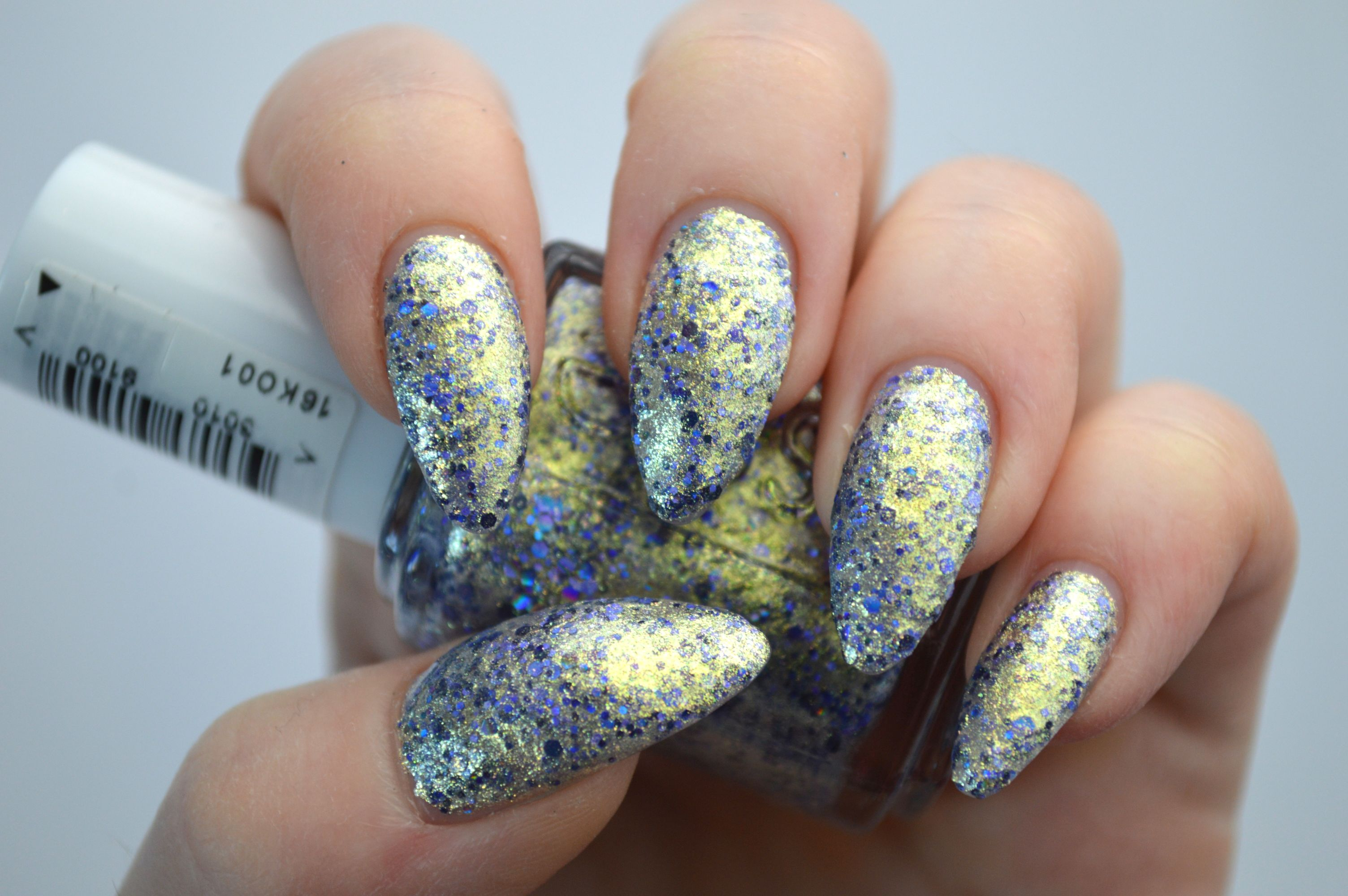 Essie_On_a_silver_platter_Encrusted