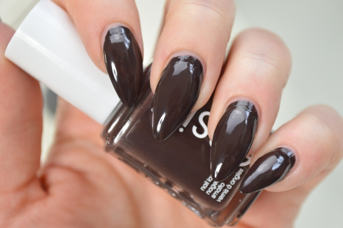 Essie_Partner_In_Crime_Review