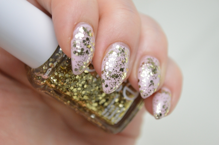 Essie_Rock_at_the_top_auf_Essie_Neo_Whimsical_Review