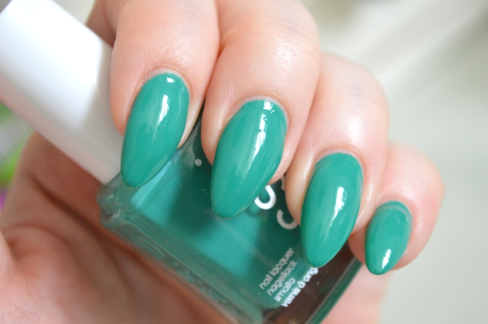 Essie_Ruffles_and_Feathers_mikalicious