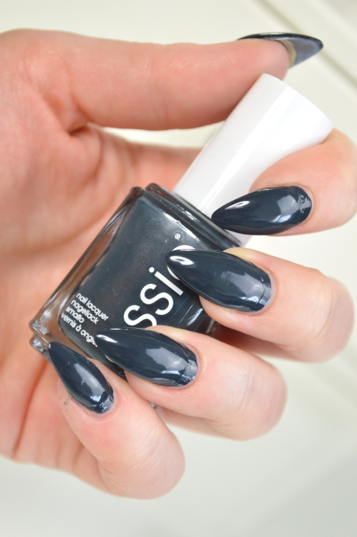 Essie_The_Perfect_Cover_Up_Nagellack