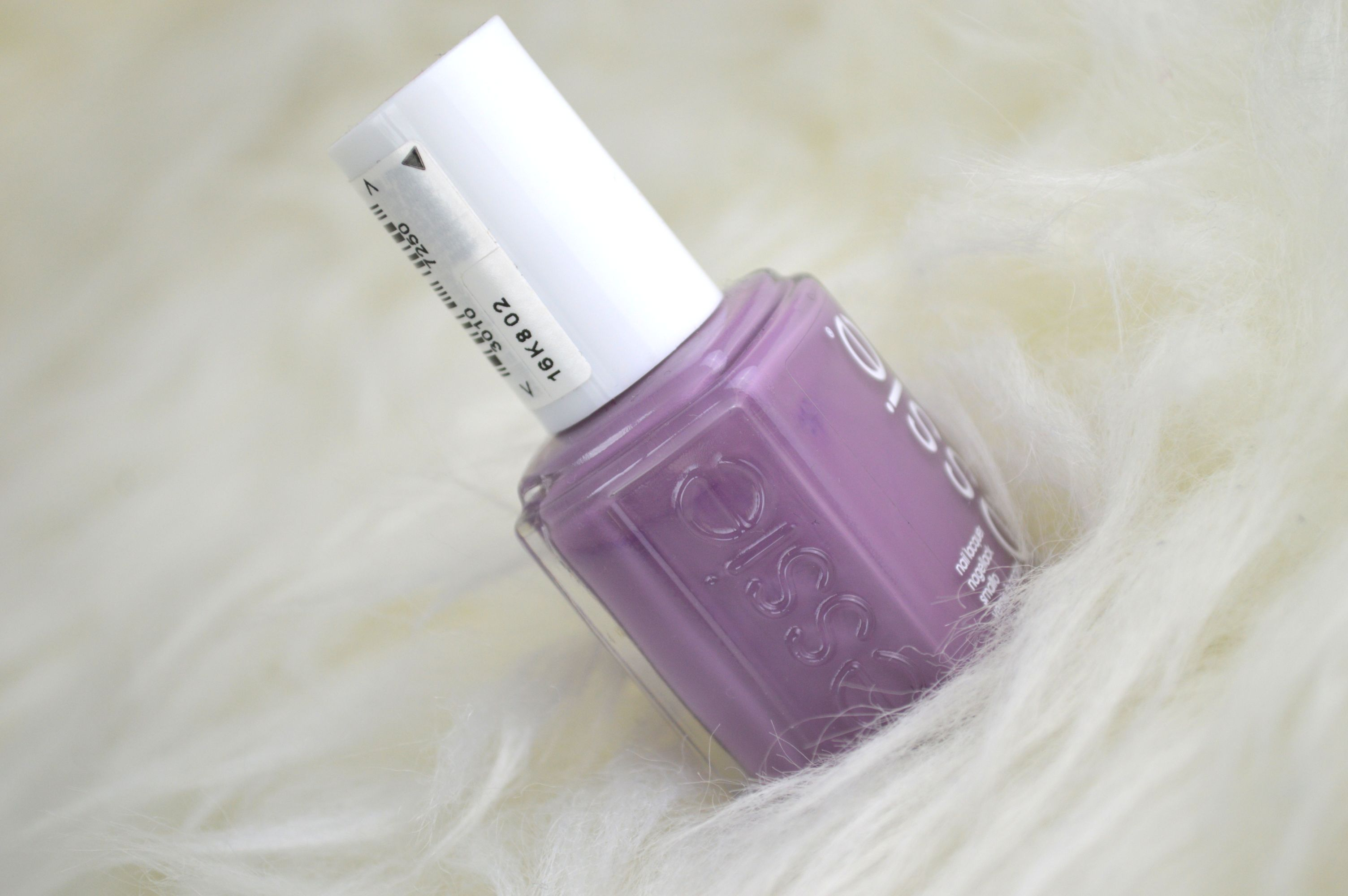 Aufgepinselt: Essie Warm and Toasty Turtleneck