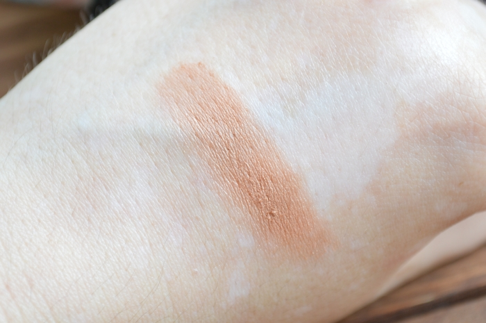 Glossybox_Summer_Holiday_Edition_Bronzer_Swatches