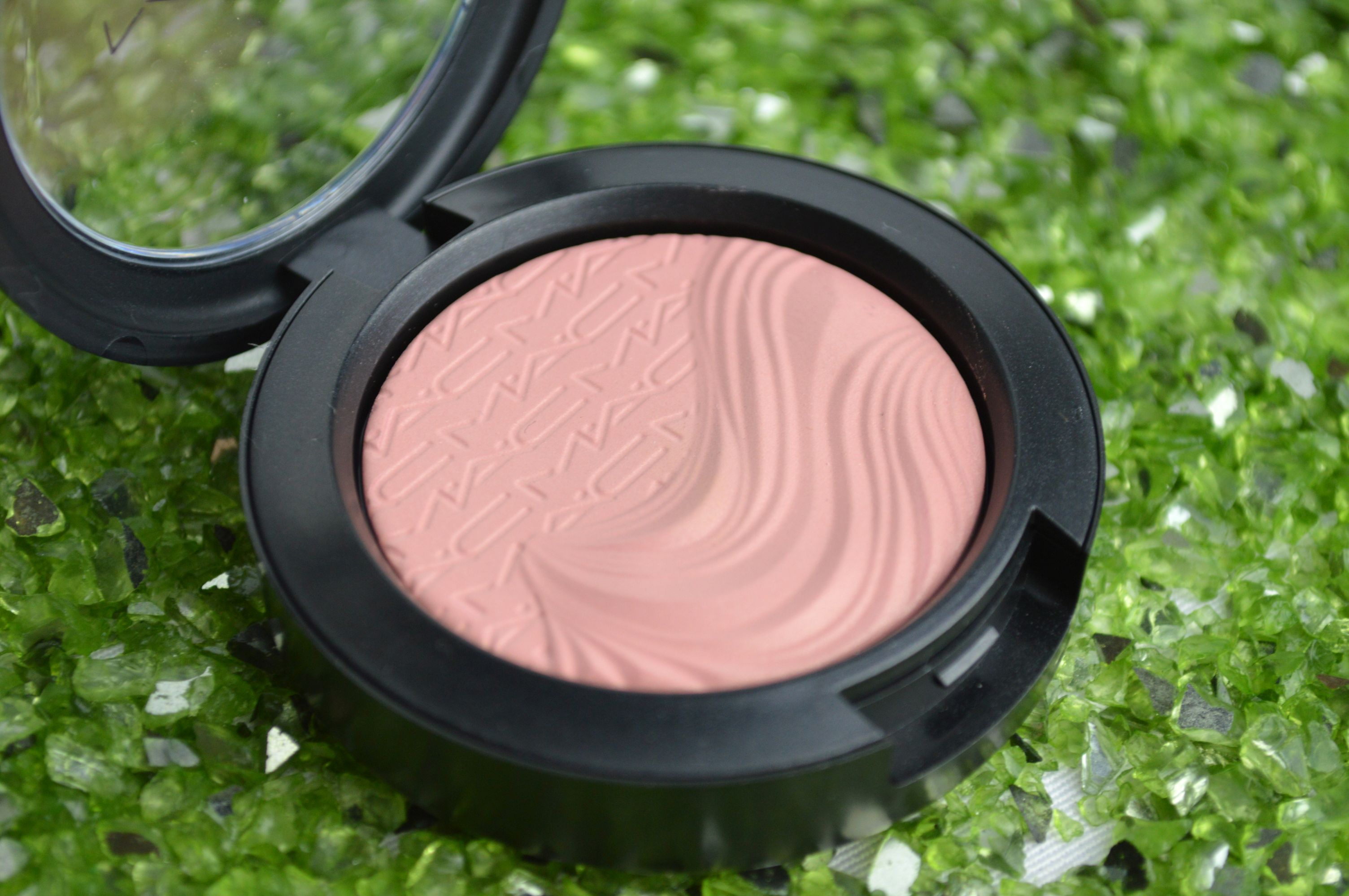 MAC_Blush_At_dusk_b