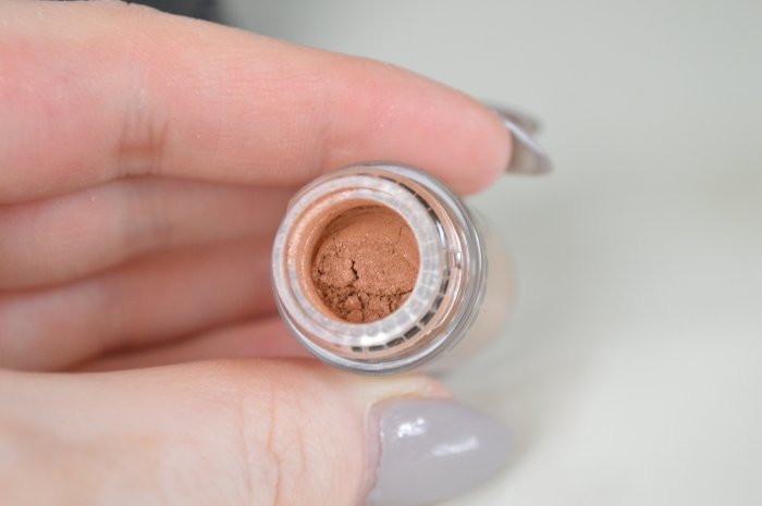 MAC_Pigment_Naked_Deep_Dark_Review