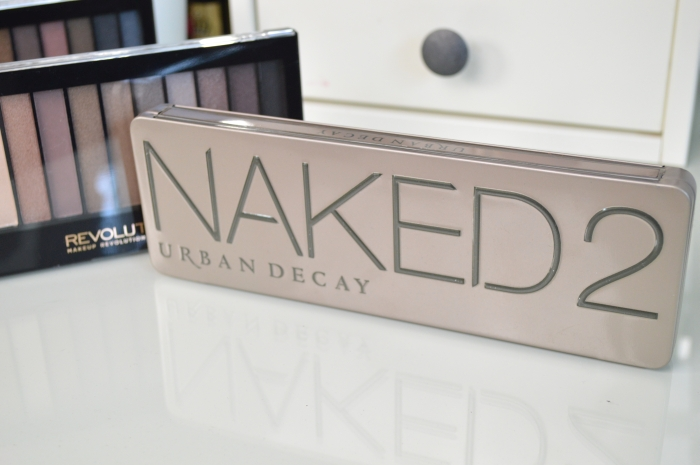 Makeup_Revolution_Iconic_2_vs_Urban_Decay_Naked_2_Review