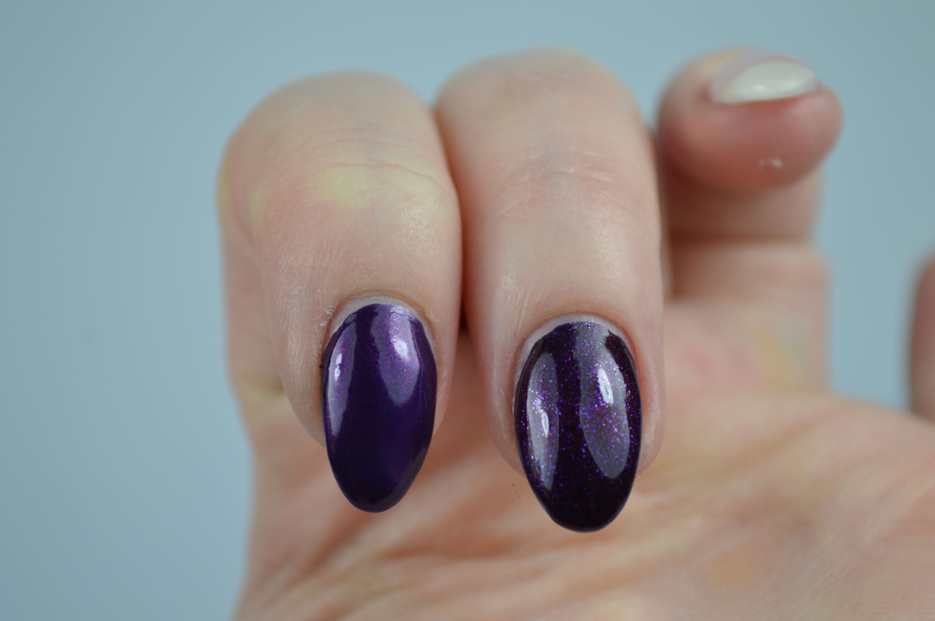P2 Sensual Purple Vergleich Chanel Taboo Nagellack Dupe Swatches