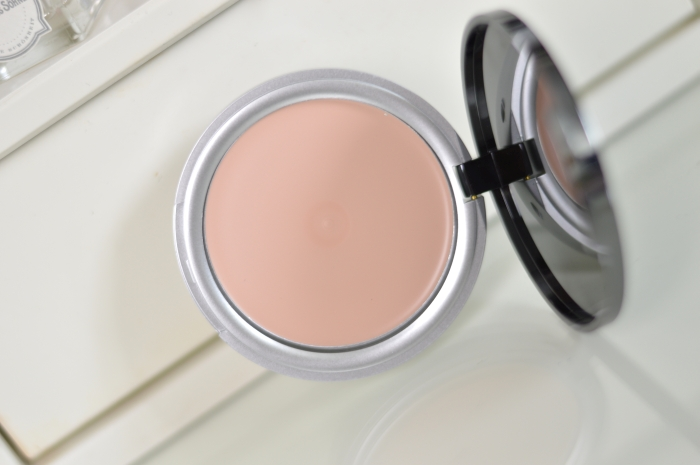 P2_Here_I_am_LE_Compact_Cream_Natural_Review