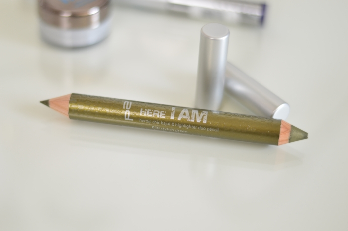 P2_Here_I_am_LE_Kajal_Highlighter_Duo_Pencil_Stylish_Green_Review