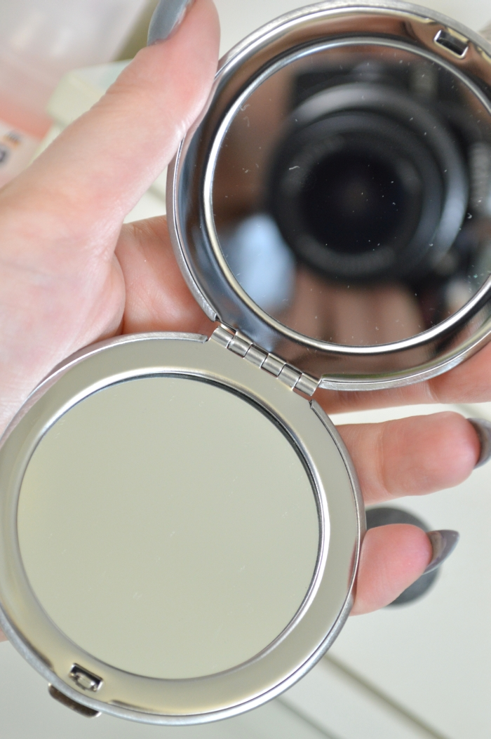 P2_Here_I_am_LE_Spiegel_mirror