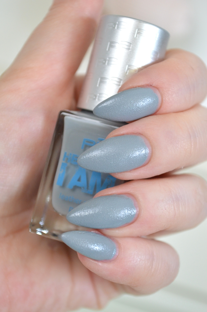 P2_Here_I_am_Nagellack_Cool_Grey_Review