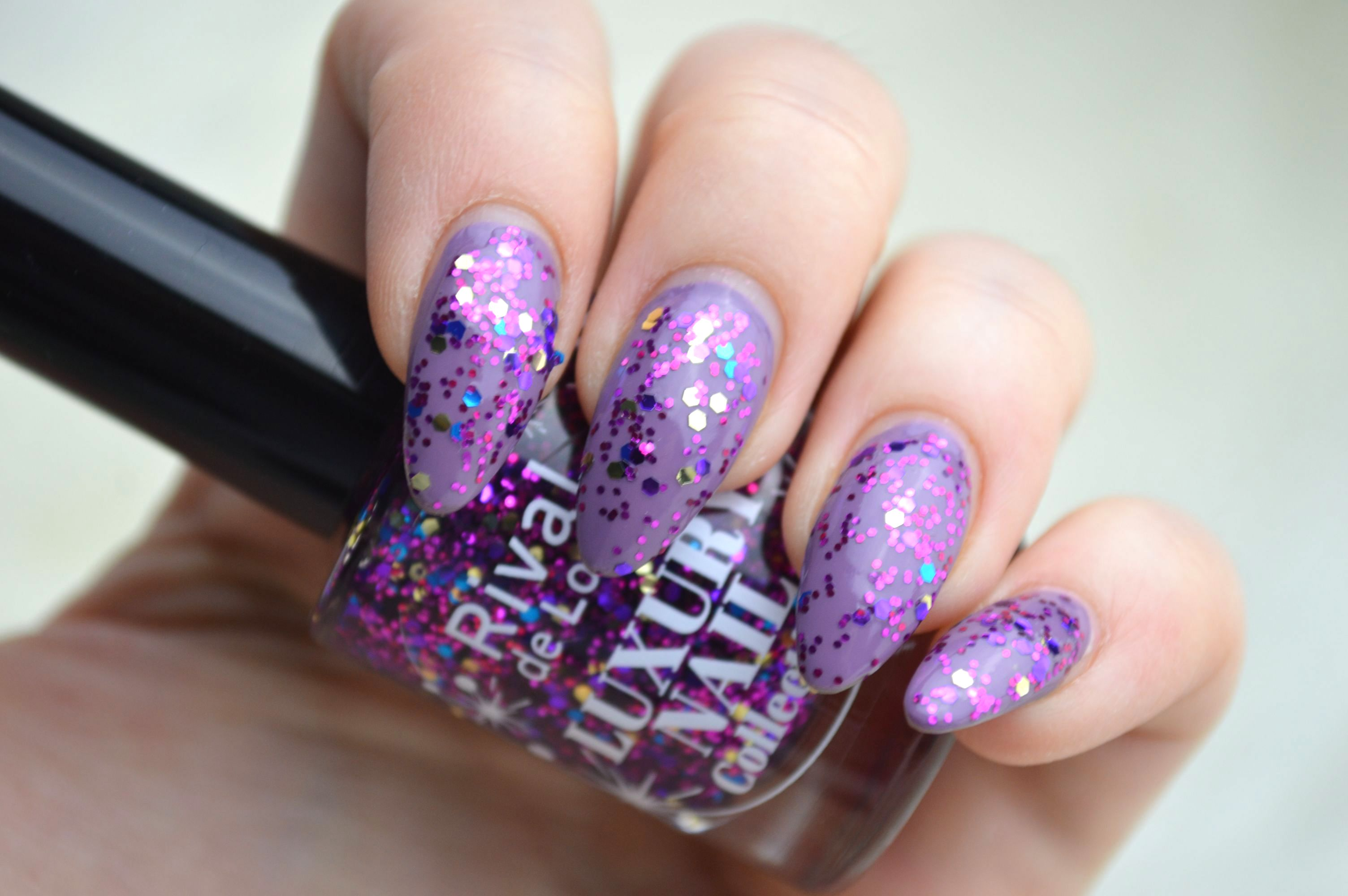 Rival_de_Loop_Glitter_Lilac_Essie_Warm_and_Toasty_Turtleneck