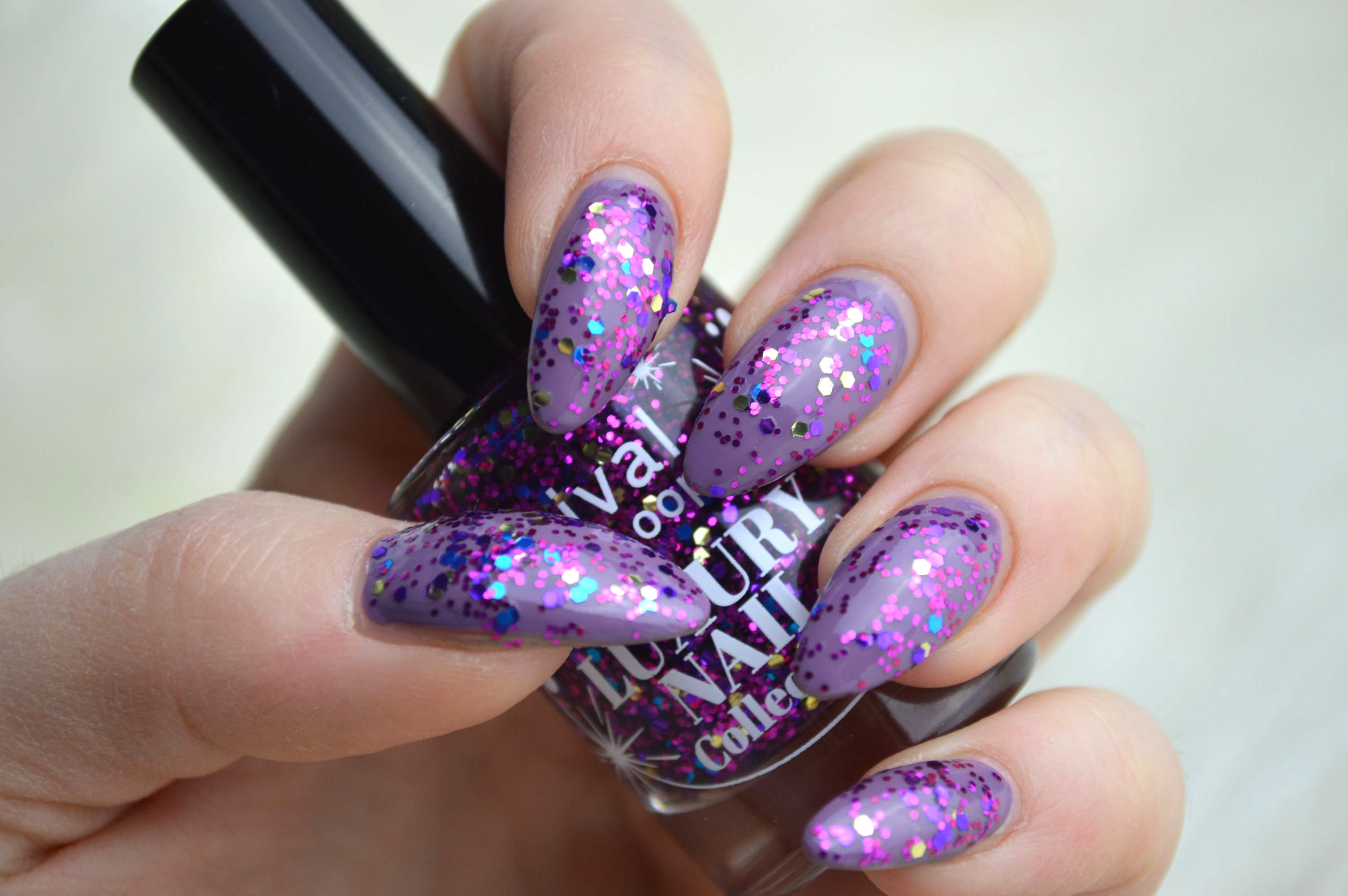 Rival_de_Loop_Glitter_Lilac_Swatches