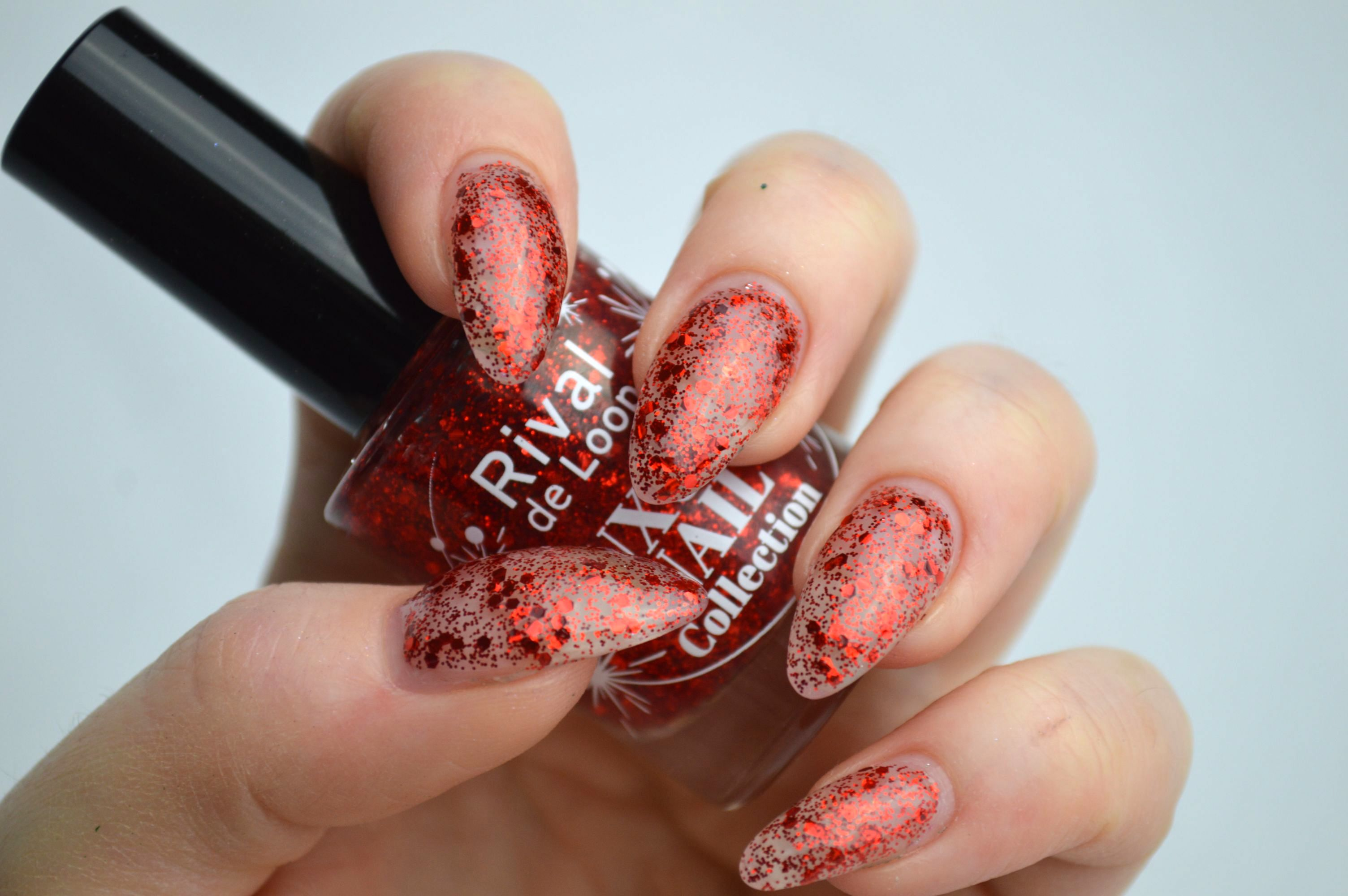 Rival_de_Loop_Red_Glitter_Swatches