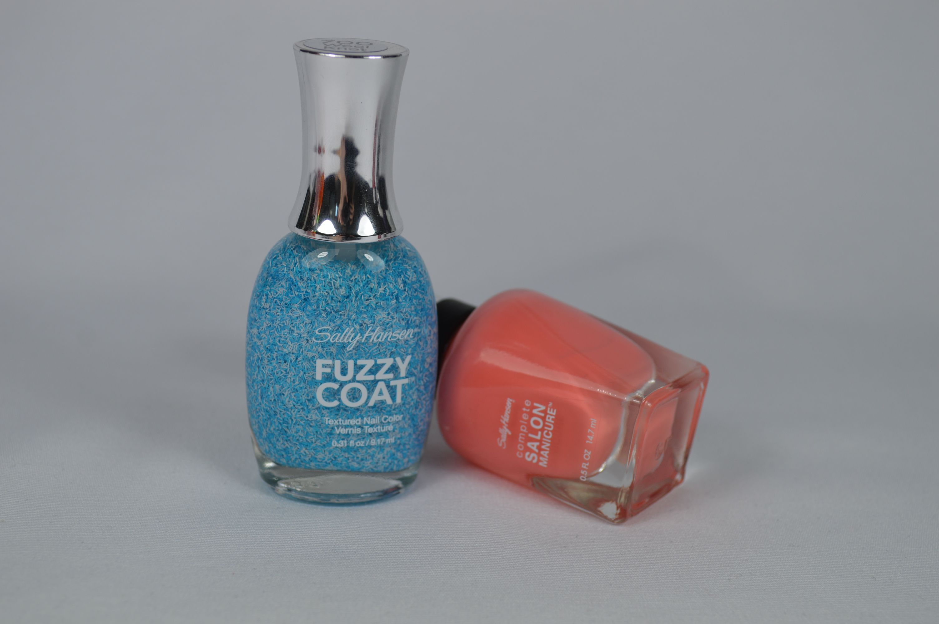 Sally Hansen Peach of Cake Fuzzy Coat Wool Knot Nagellack
