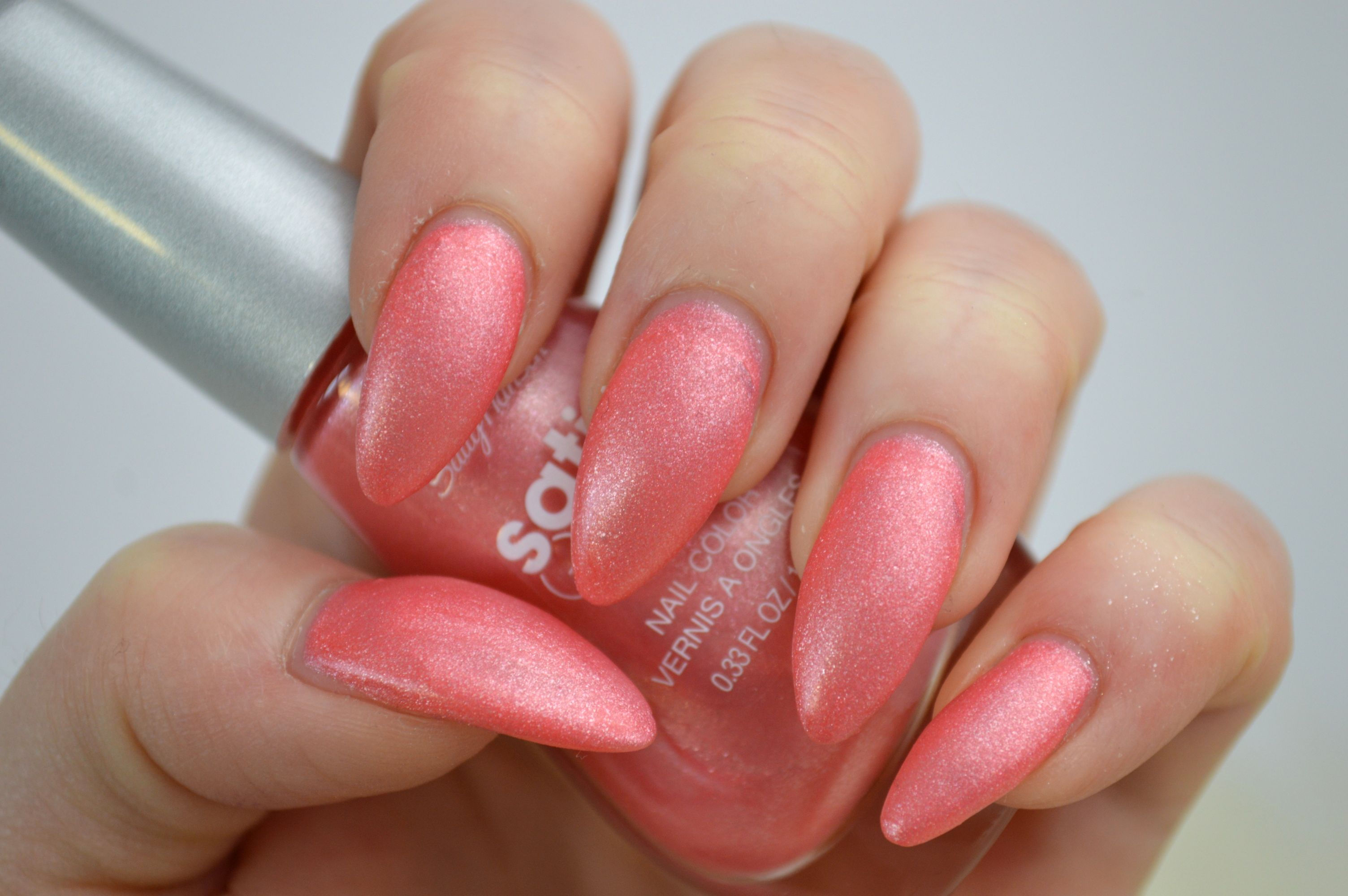 Sally_Hansen_Satin_Glam_Chic_Pink