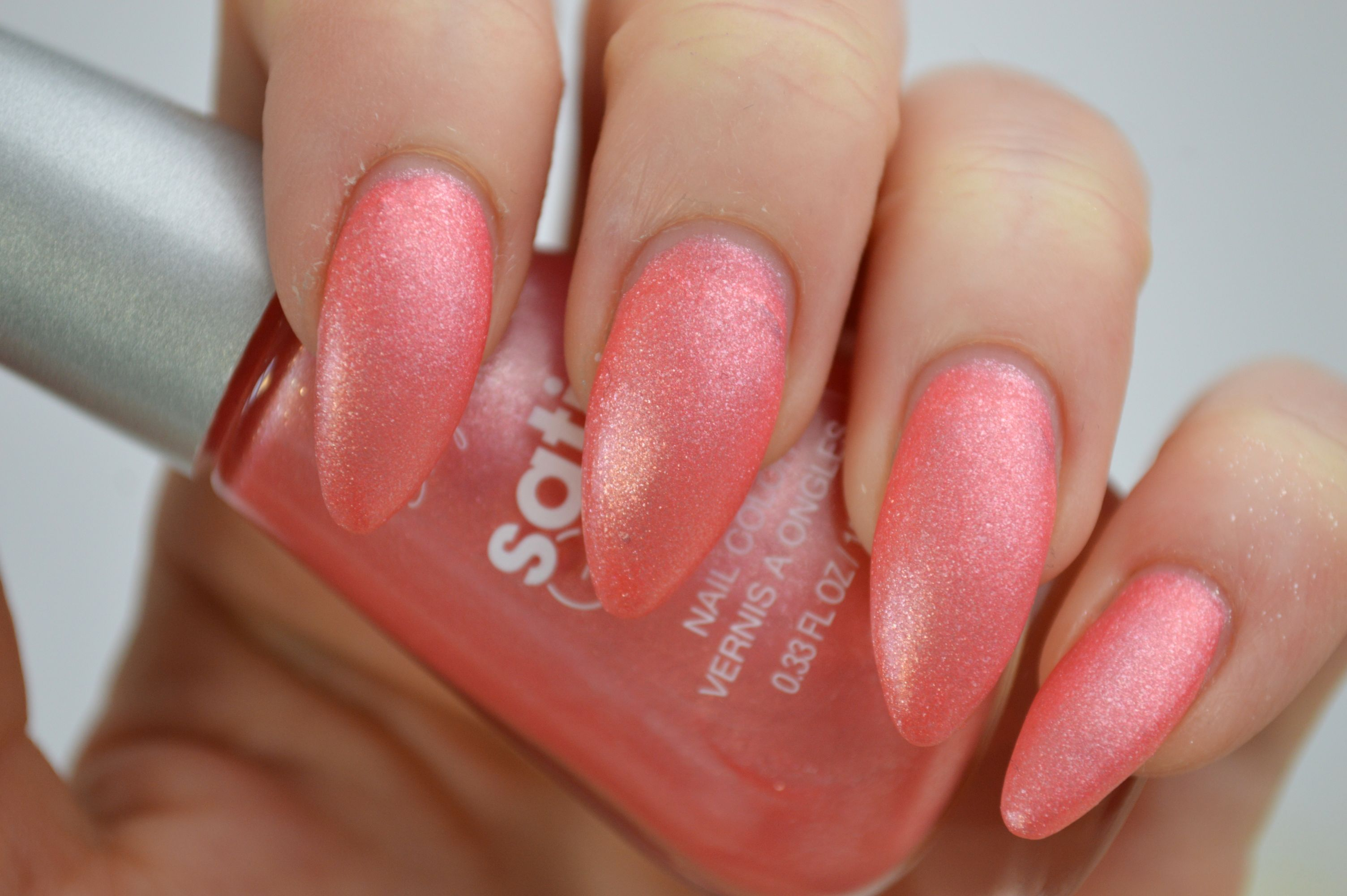 Sally_Hansen_Satin_Glam_Chic_Pink_Review