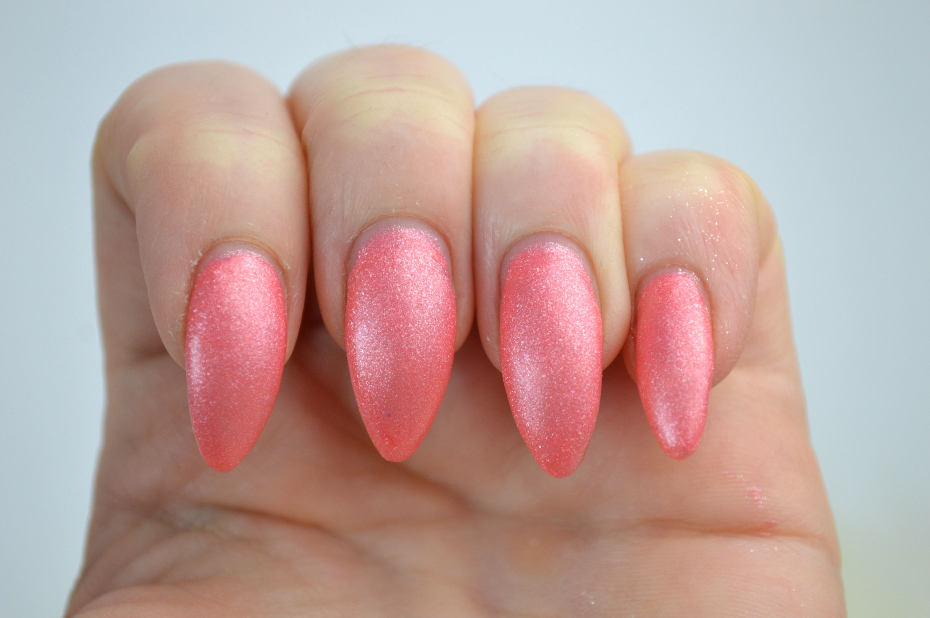 Sally_Hansen_Satin_Glam_Chic_Pink_Review_Nagellack