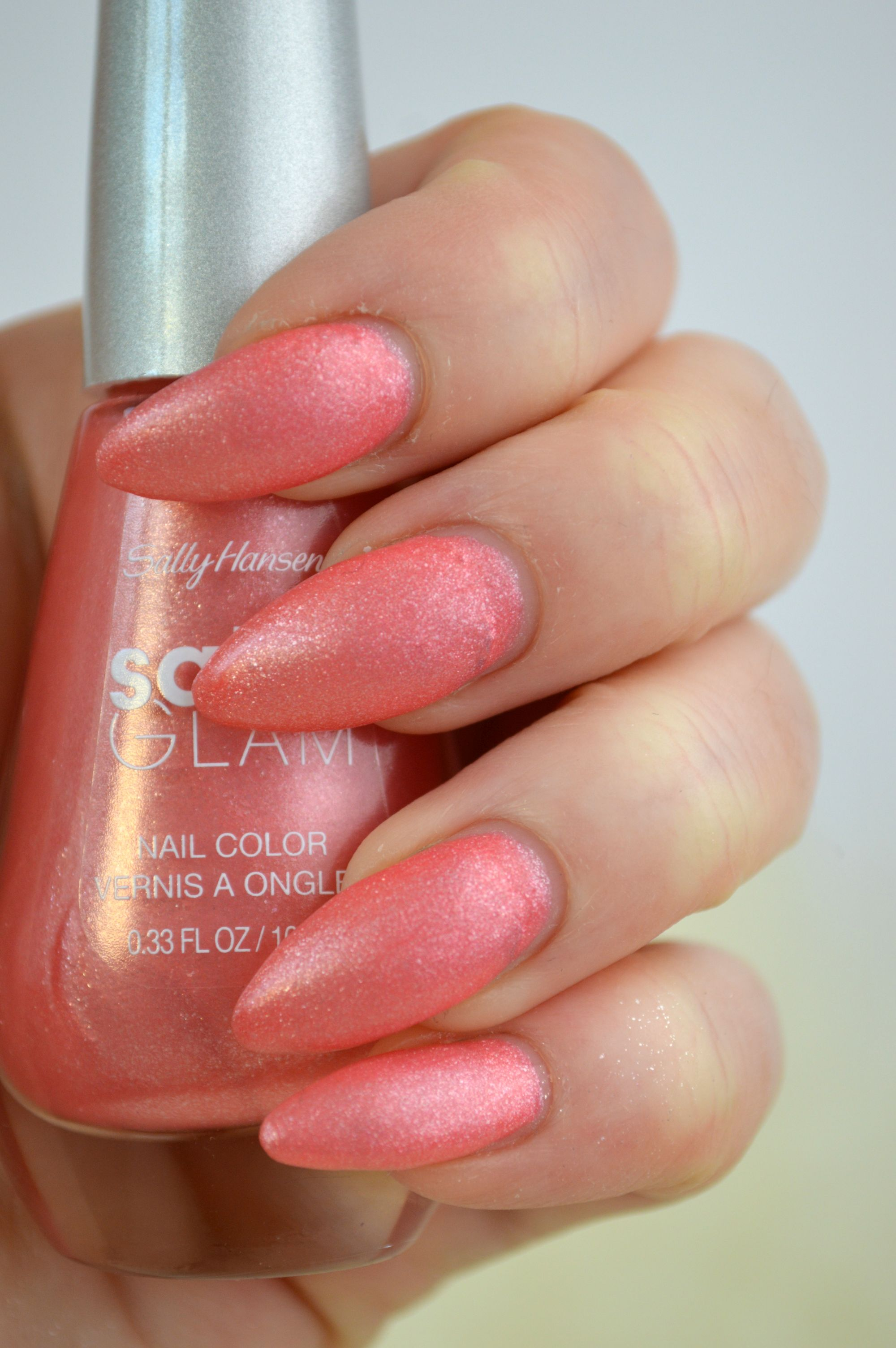 Sally_Hansen_Satin_Glam_Chic_Pink_Swatches