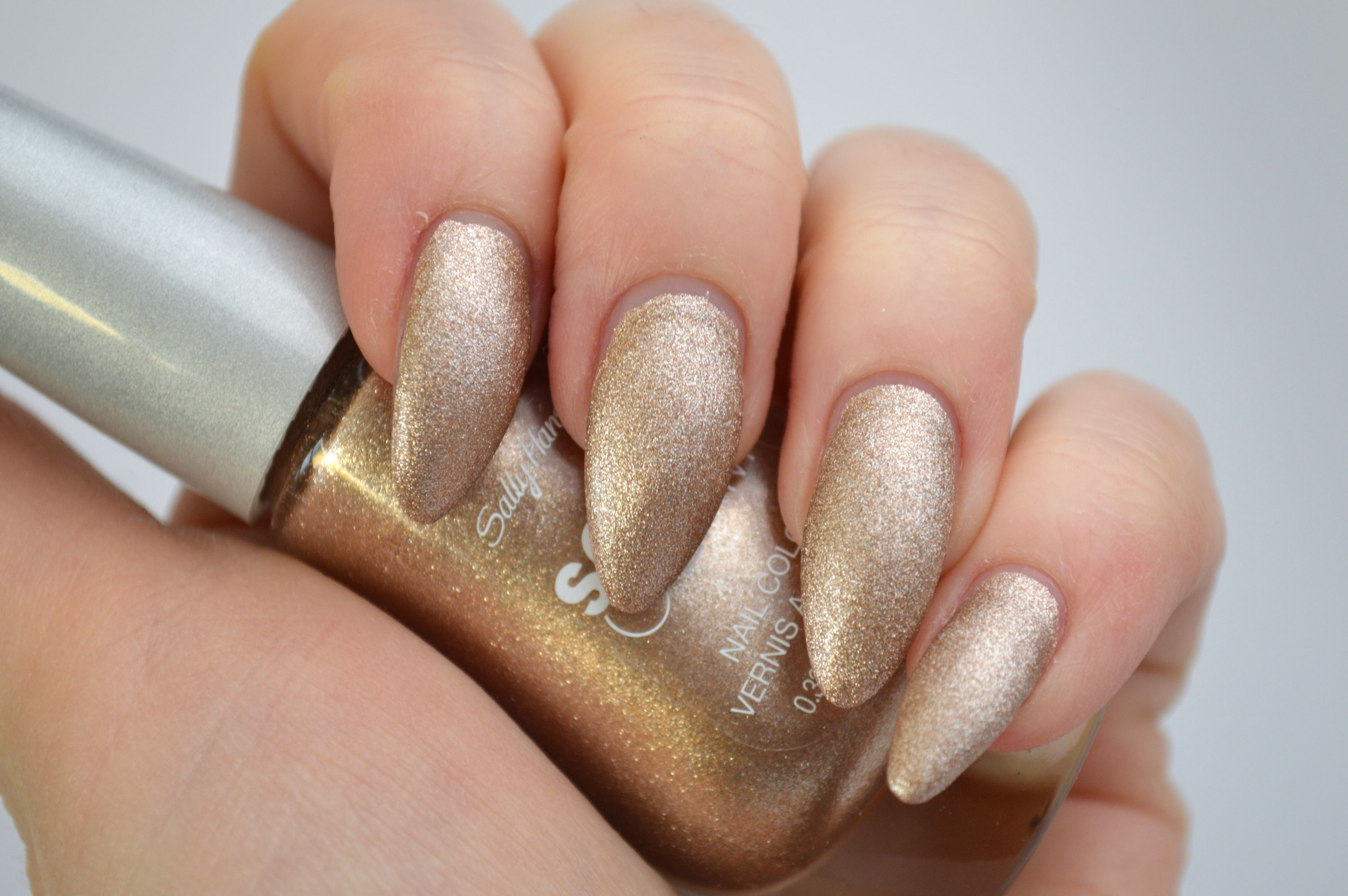 Sally_Hansen_Satin_Glam_Go_Gold_Swatches