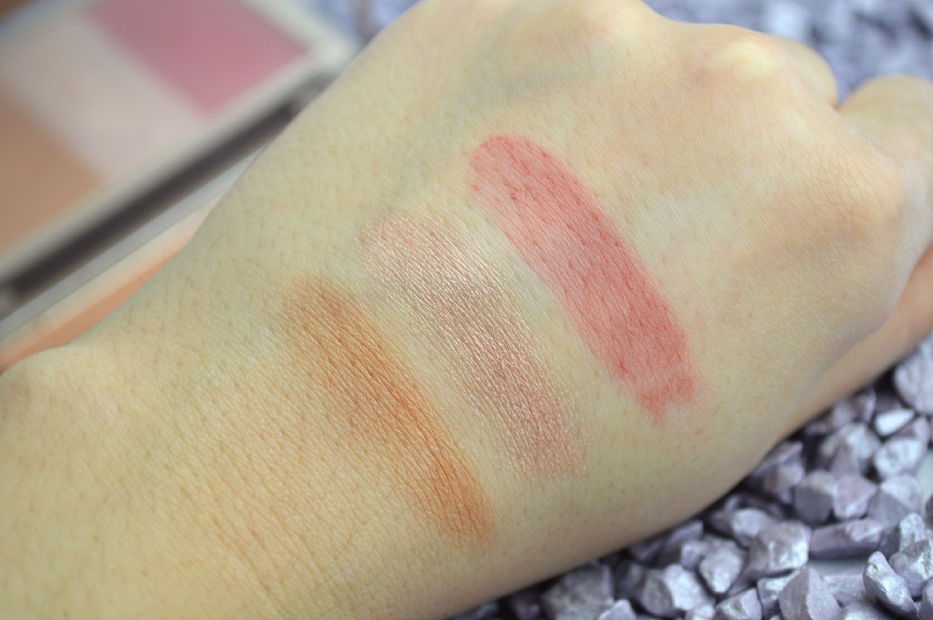 Urban_Decay_Naked_Flushed_Swatches