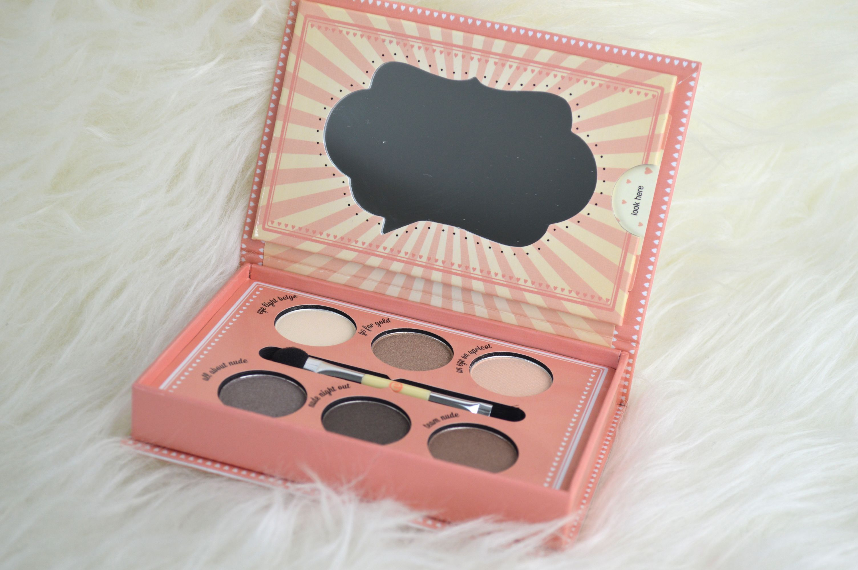 Essence – How to make nude eyes Make-up Box