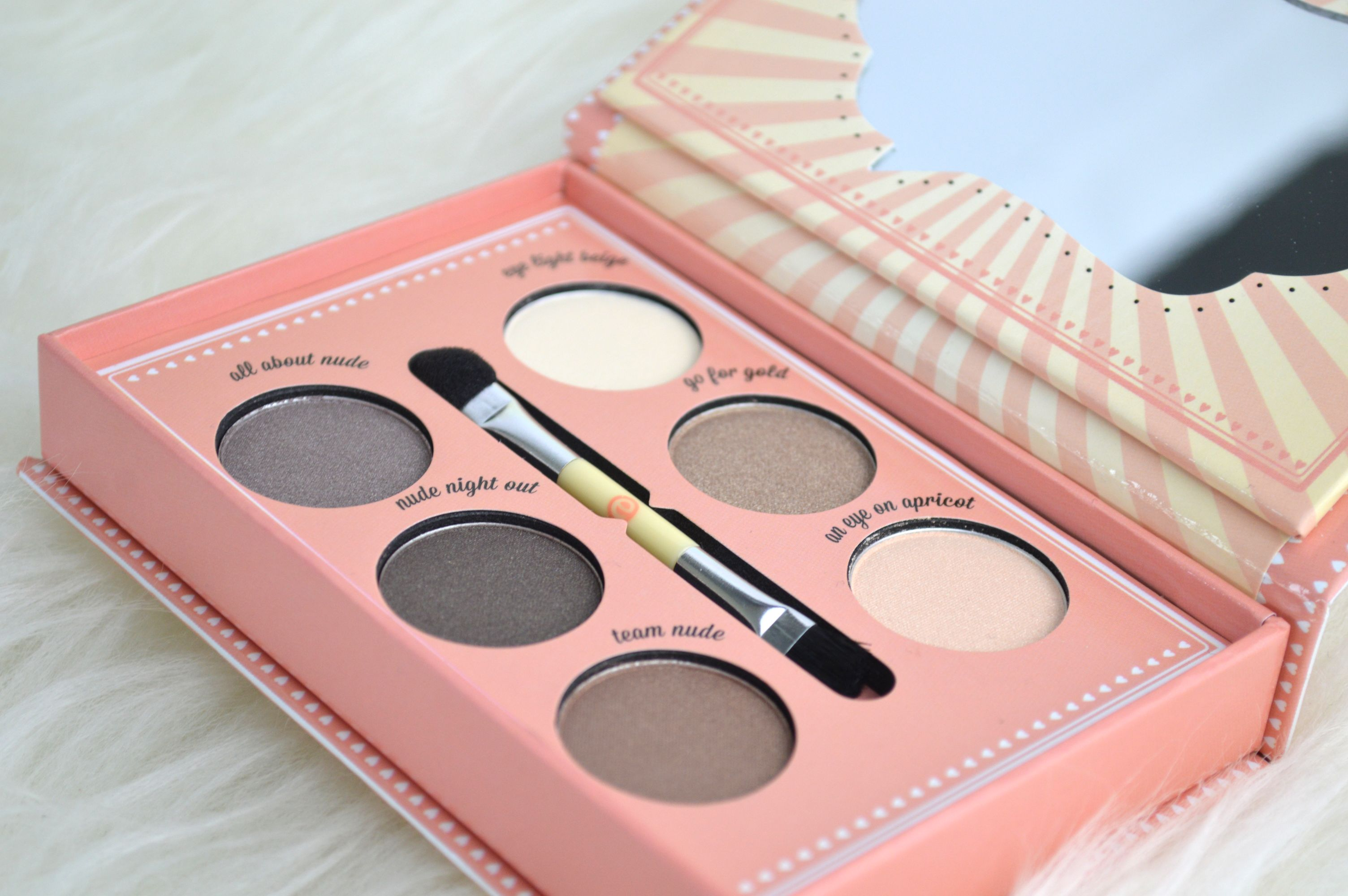 Verpackung9_Essence_How_to_make_nude_eyes_Makeup_box