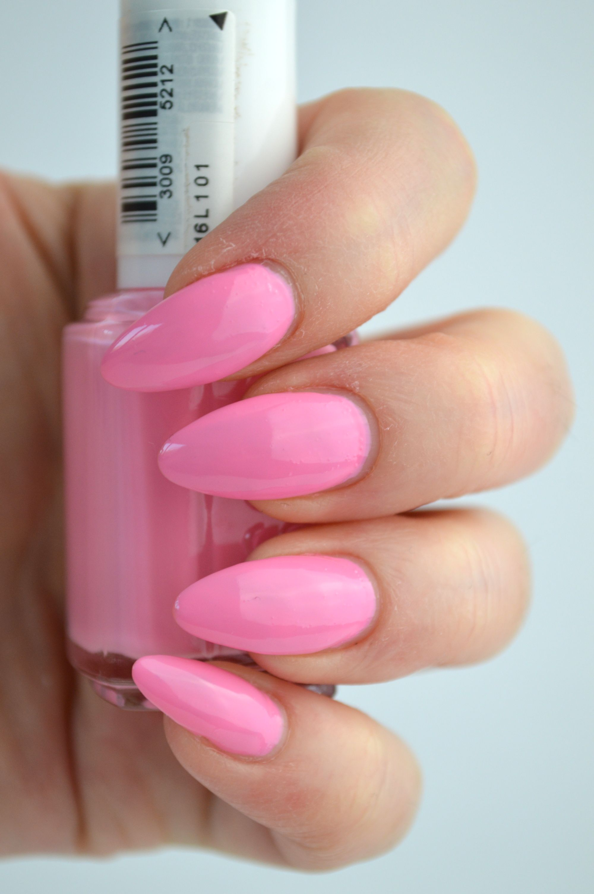 essie_need_a_vacation_review