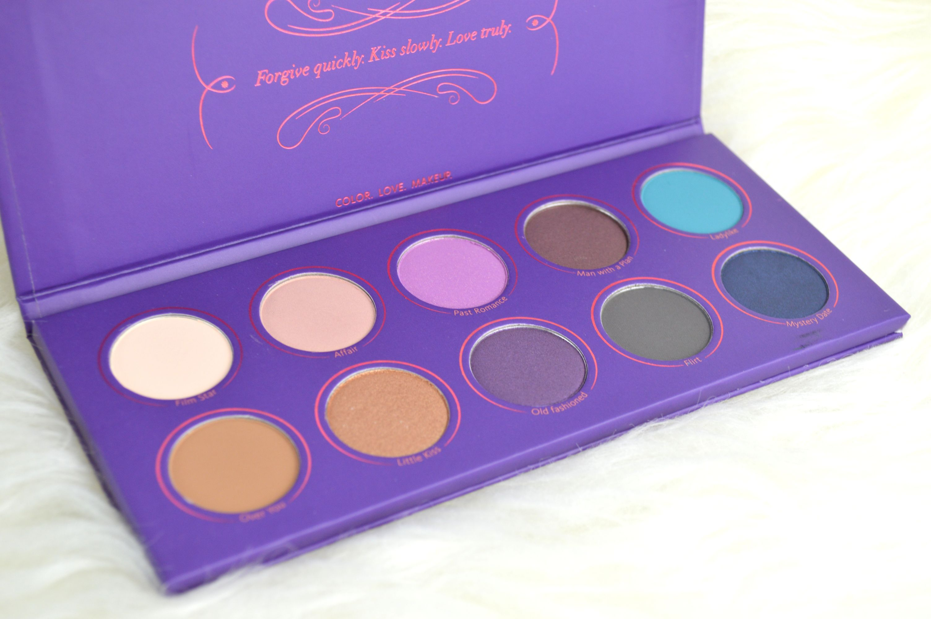 zoeva_love_is_a_story_palette_mikalicious