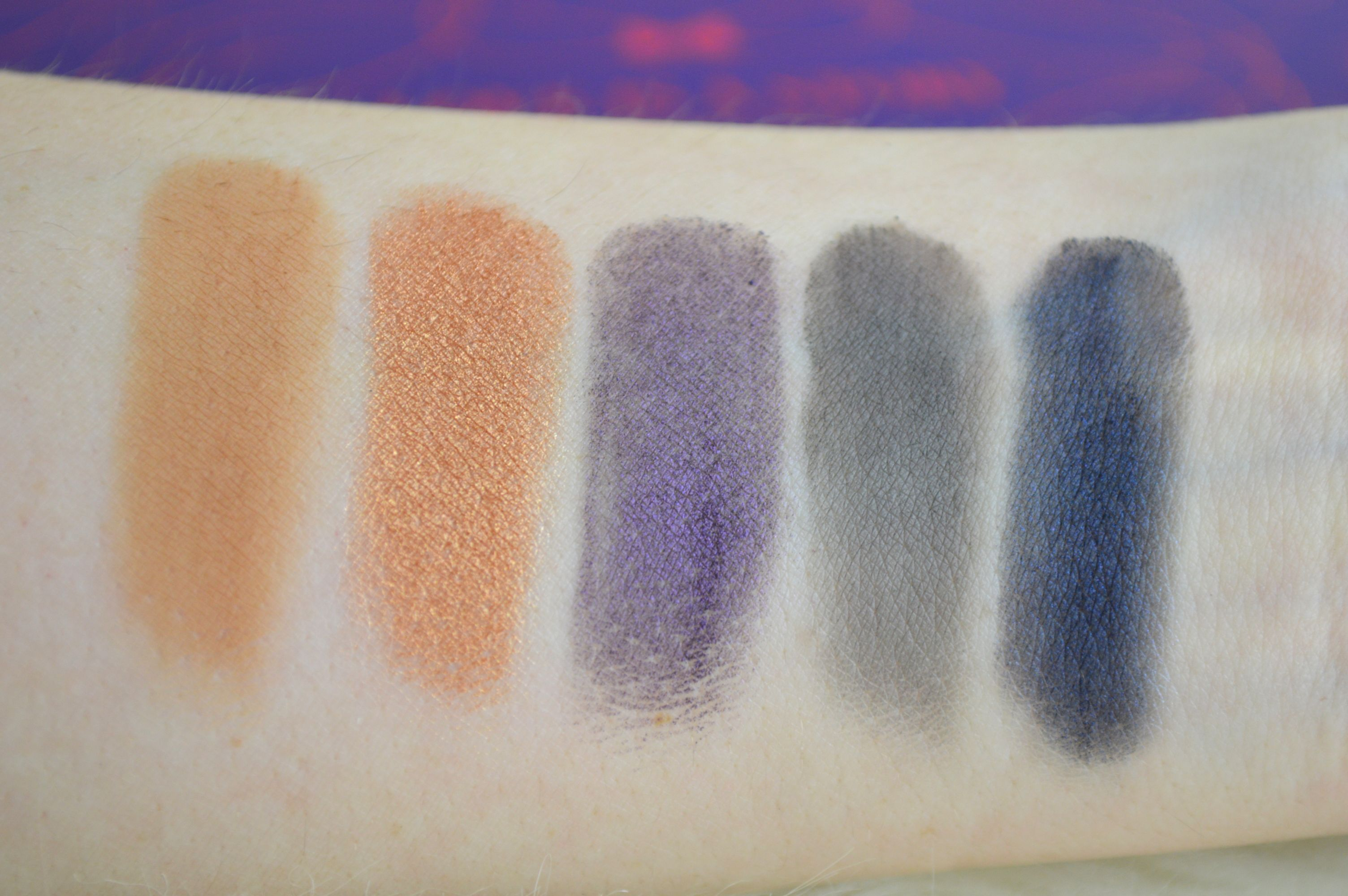 zoeva_love_is_a_story_palette_reihe_2_swatches