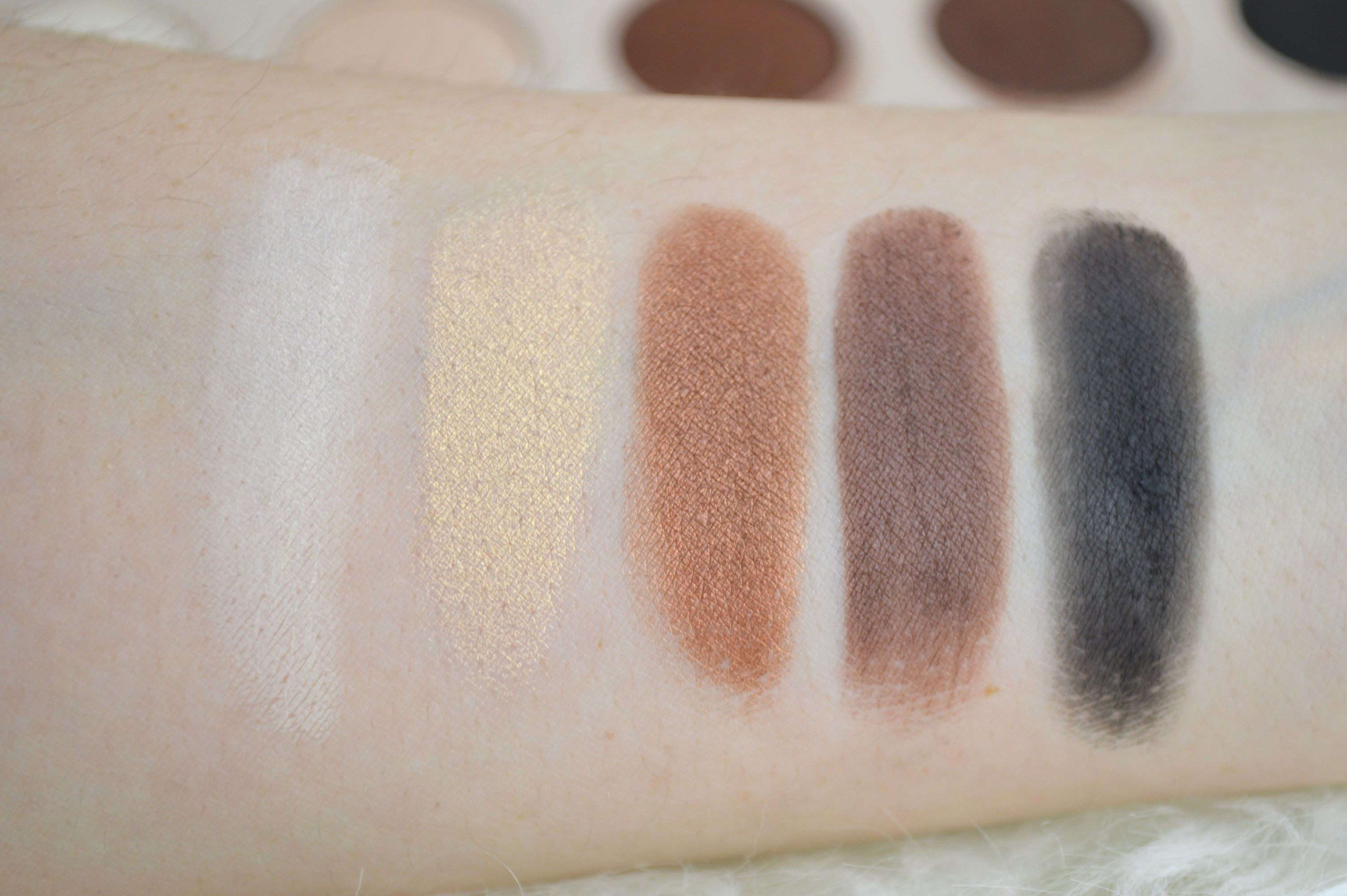 zoeva_naturally_yours_palette_review_mikalicious_2_reihe_swatches