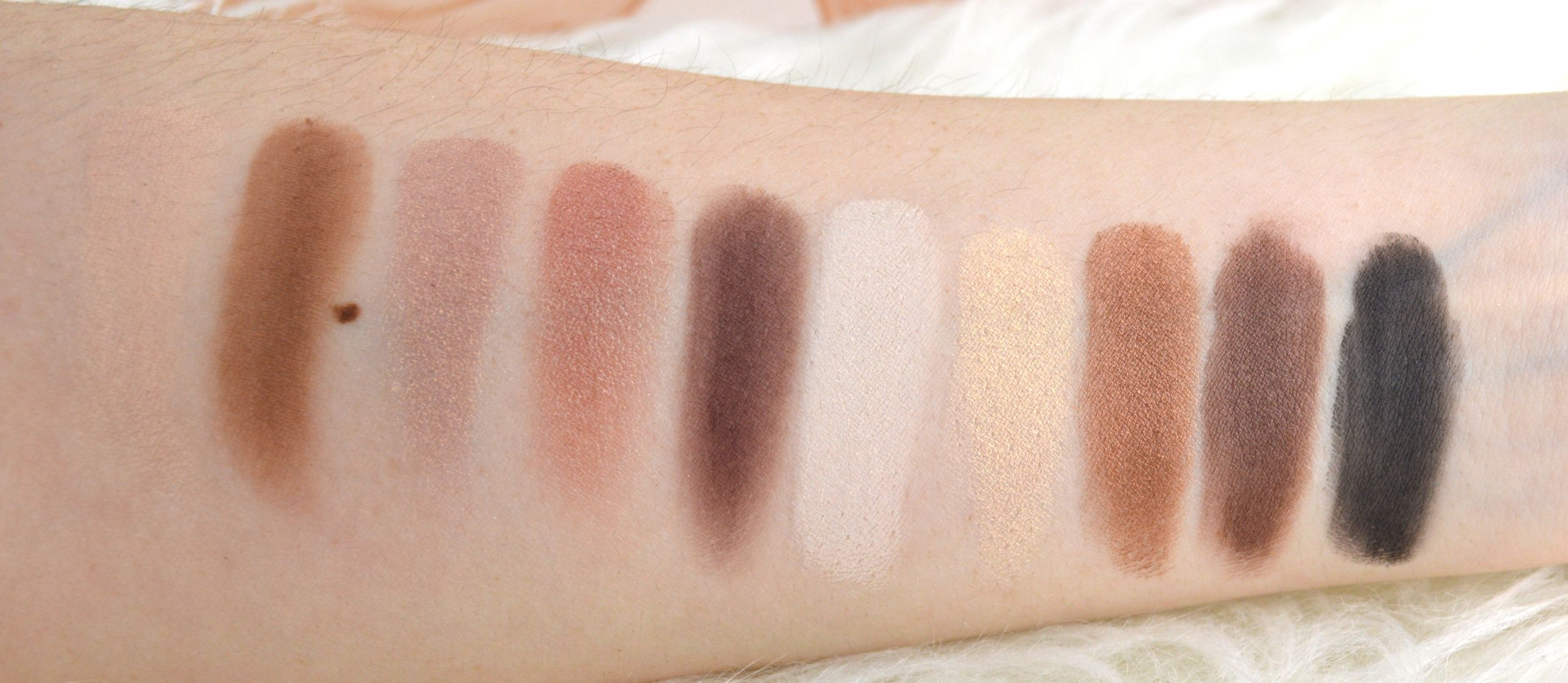 zoeva_naturally_yours_palette_swatches_alle
